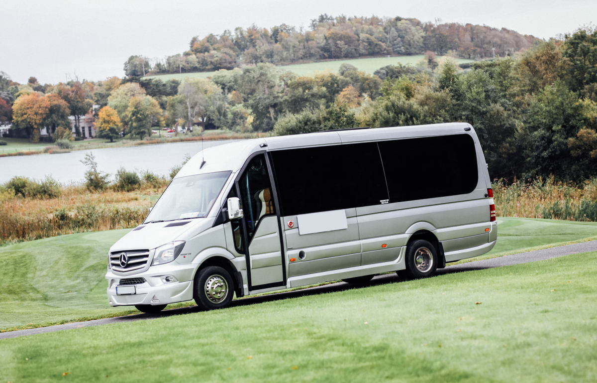 Guide to Hire Best Mini Coach Services in Manchester