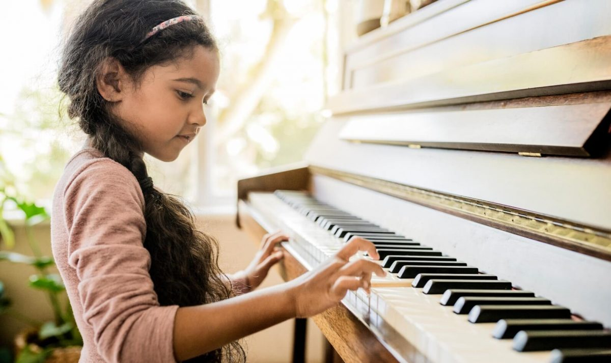 The Best Piano For a Budding Pianist
