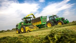 Working-debut-for-new-John-Deere