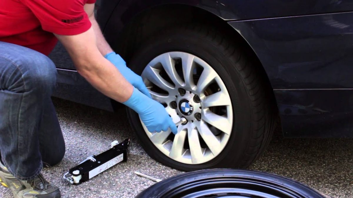 What Should You Do in Case of a Flat Tire