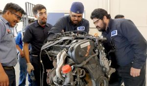 automotive-training-school-in-city
