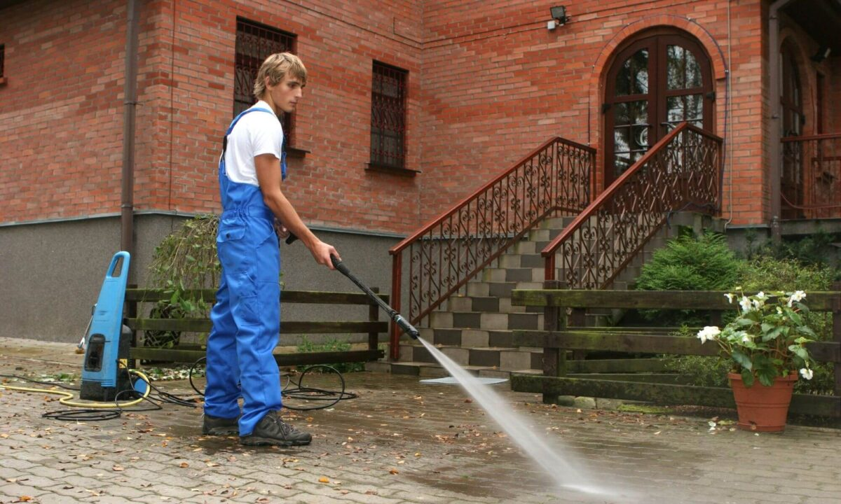 Dangers Associated With Pressure Washers